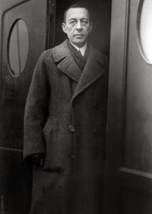 rachmaninovstanding